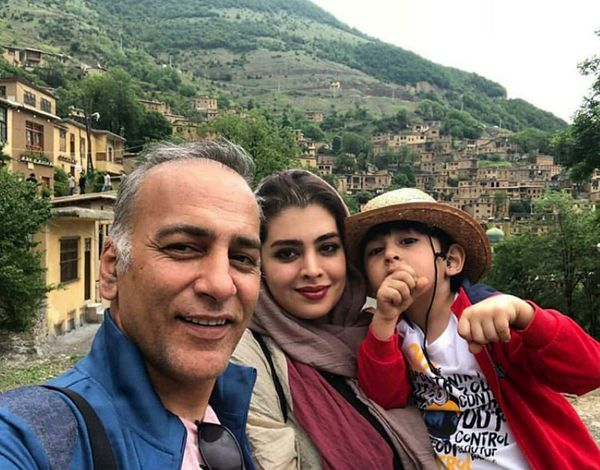 مسافرت حمیدرضا آذرنگ با همسر و فرزندش+عکس