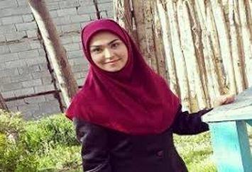 فریبا باقری با مانتوی طلایی اش!/عکس