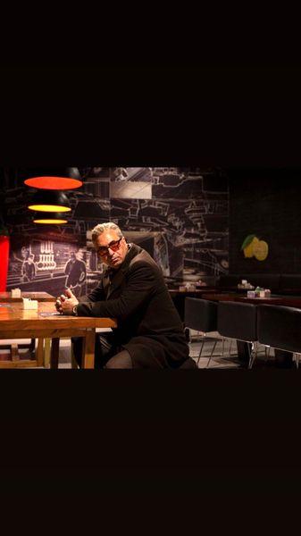 حمید فرخ نژاد در کافه ای عجیب + عکس
