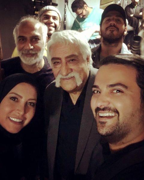 حشمت فردوس شاد و سرحال میان خانواده اش+عکس