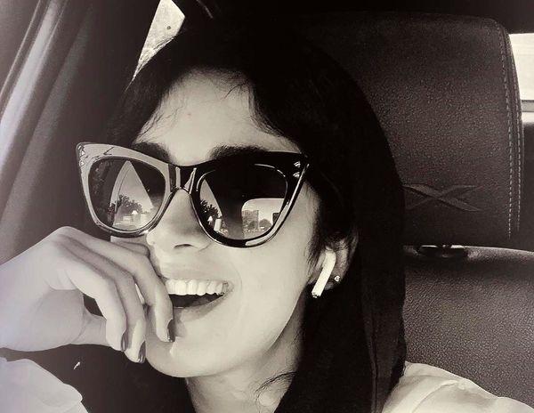 بازیگر زن سریال ممنوعه با عینک خاصش+عکس