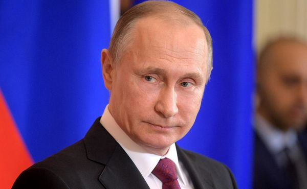 آزمایش موفقیت آمیز موشک فراصوت به مناسبت شصت و هشتمین سالروز تولد پوتین