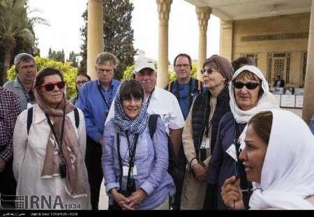 گردشگران خارجی از بوم گرد دره شهر استقبال کردند