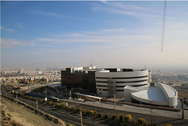 غفلت از تراز ممنوعه دانشگاه علوم و تحقیقات در هیاهوی واژگونی اتوبوس دانشجویان