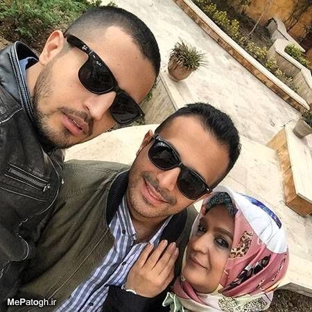 مهرداد صدیقیان در کنار مادر و برادرش + عکس
