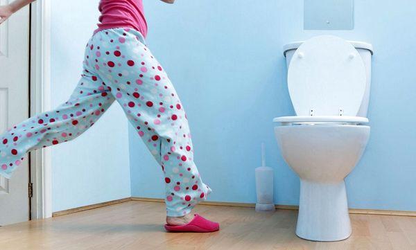 دلیل تکرر ادرار چیست ؟ + راه درمان خانگی