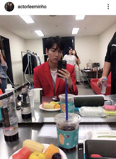 غم زدگی بازیگر محبوب کره ای در پشت صحنه+عکس