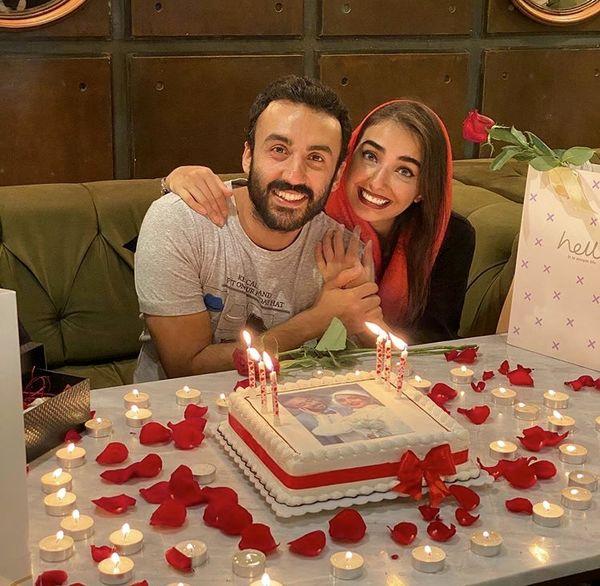 تولد زوج جوان بازیگر مشهور در کافه + عکس