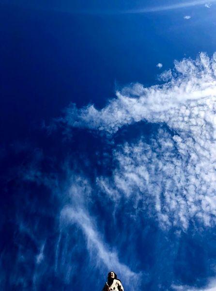 نرگس محمدی زیر آسمان پاک + عکس