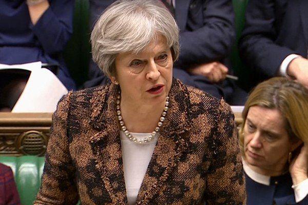 دومینوی استعفا در اعتراض به نخستوزیر انگلیس