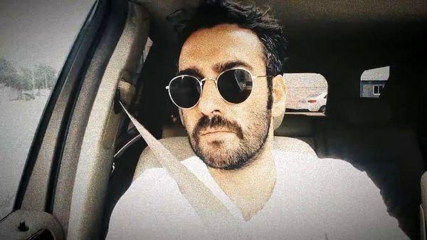 نیما شعبان نژاد در ماشینش + عکس
