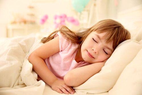 خواب کودکان و نوجوانان چقد باید باشد