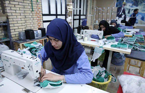 پرداخت تسهیلات بانکی با سود کم به طرحهای اقتصادی زنان