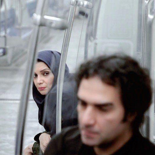 الهام پاوه نژاد و رضا یزدانی در مترو
