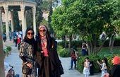 گشت و گذار خانم مجری و دوستش در شیراز + عکس