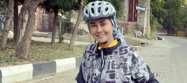 استایل دوچرخه سواری آناهیتا نعمتی + عکس
