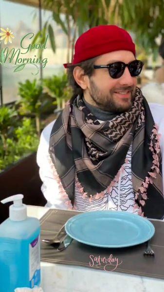 استایل فشن طوری بهرام رادان در یک رستوران + عکس