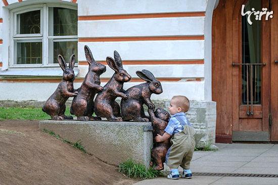 ژستهای جالب و خلاقانه با مجسمهها