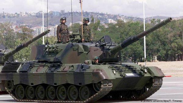 حضور نخستوزیر نروژ با تانک در رزمایش ناتو