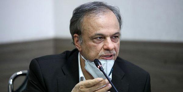رزم حسینی دو تابعیتی بودنش را تکذیب کرد