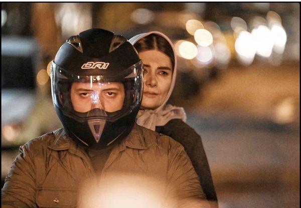 موتورسواری پدرام شریفی و مادرش + عکس