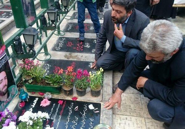 برگزاری جزءخوانی قرآن در جوار مزار شهید حججی