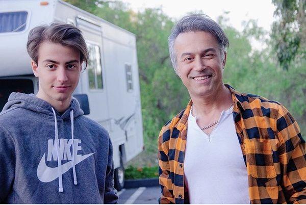 شباهت بیش از حد دانیال حکیمی و پسرش + عکس