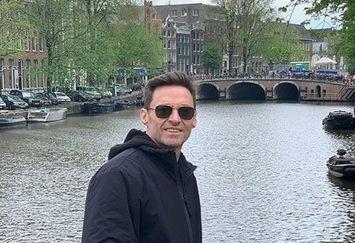 سفر آقای بازیگر به آمستردام