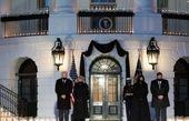 ادای احترام رئیس جمهور آمریکا به ۵۰۰ هزار قربانی کرونا+ عکس