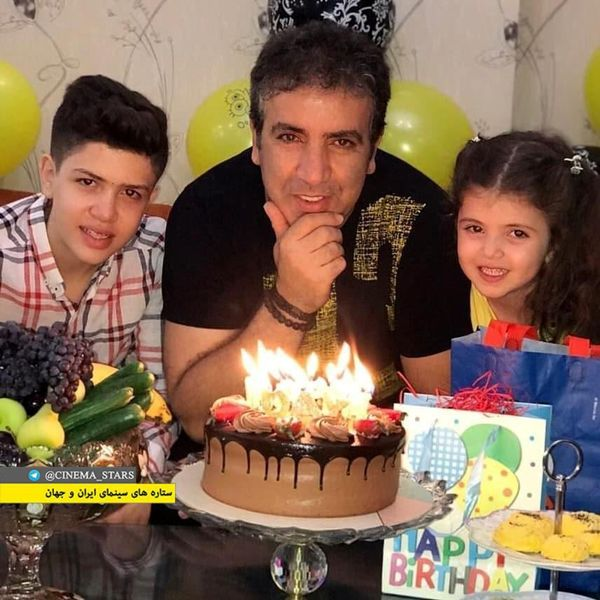 عکس تولد بهروز رهبری فر در کنار فرزندانش