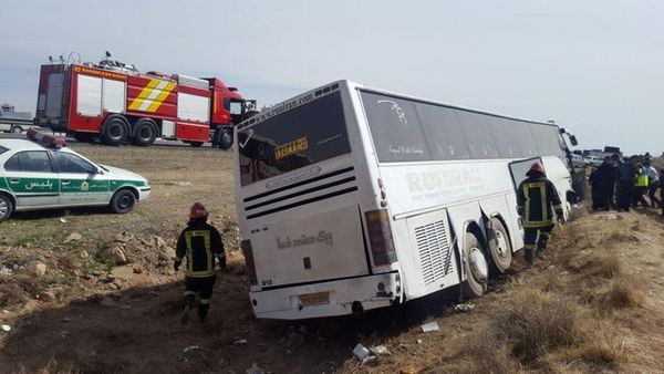 اتوبوس واژگون شده حامل دختران دبیرستانی بود