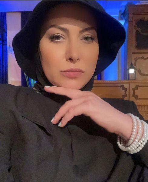 فریبا نادری با لباسهای مافیایی + عکس