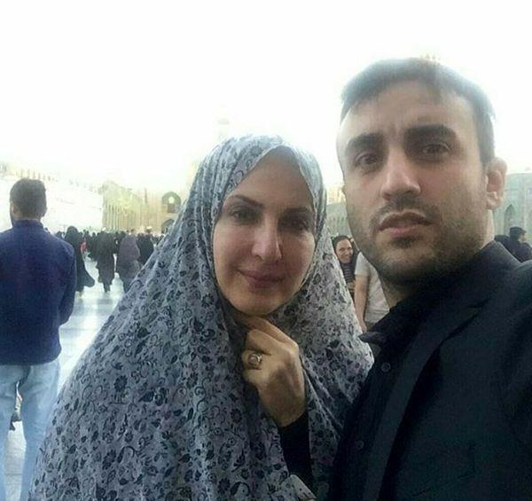 زیارت رفتن خانم بازیگر با پسر تازه دامادش + عکس