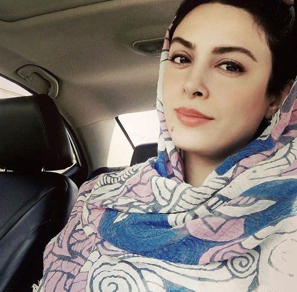 حدیثه تهرانی در ماشین شخصیش + عکس