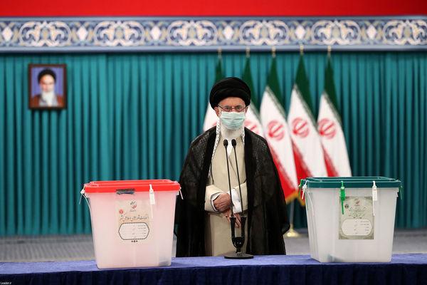 رهبر انقلاب: رأی مردم سرنوشت آینده کشور را رقم میزند