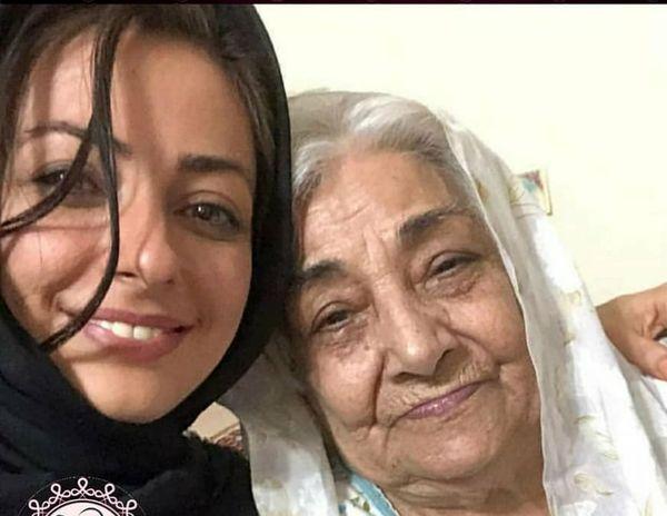نفیسه روشن و مادربزرگش+عکس