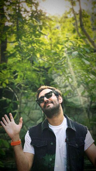 شادی و خوشحالی نیما شعبان نژاد در یک روز زیبا + عکس