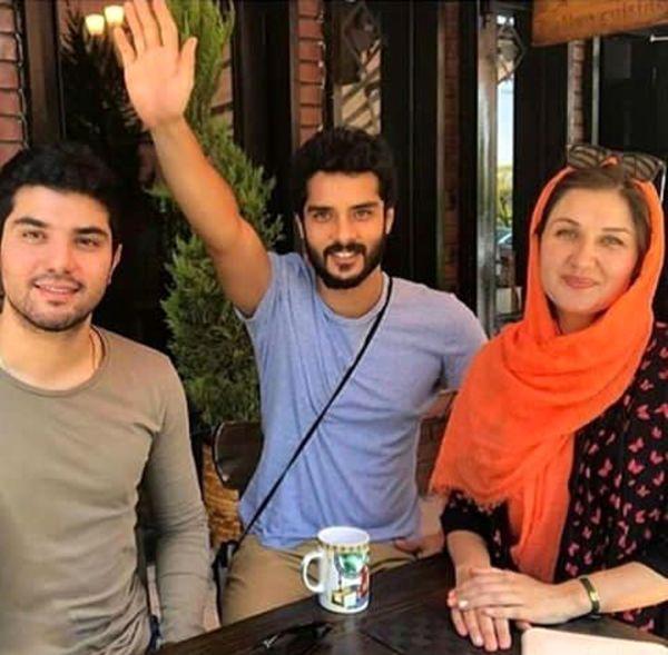 دوبرادر بازیگر غیرهمنام کنار همسر بازیگرش+عکس