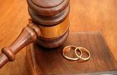 پسران در دنیای مجازی به دنبال سرگرمی هستند تا ازدواج