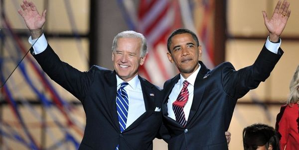 رئیس جمهور سایق آمریکا در کنار جو بایدن