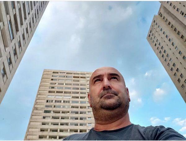 چهره متفکر مهران احمدی + عکس