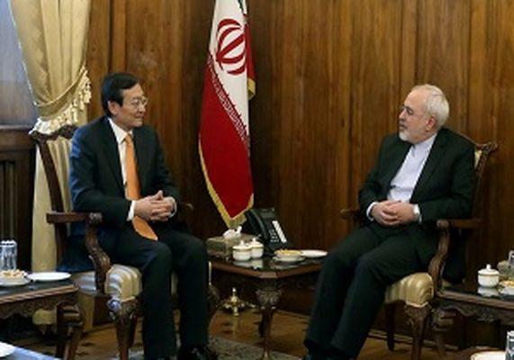 ظریف: ایران تاکنون اقدامات منفی عربستان را با بردباری پاسخ داده است