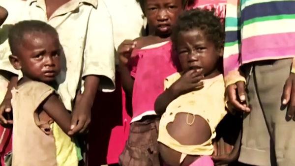 افزایش گرسنگان در دنیا با ویروس کرونا + فیلم