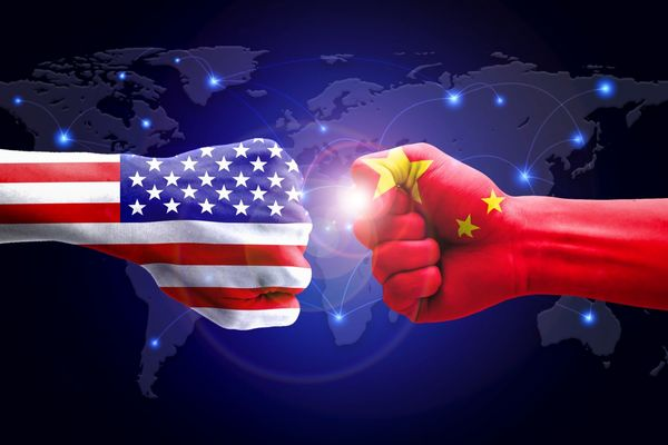 افزایش قیمت نفت با تشدید جنگ تجاری چین و آمریکا