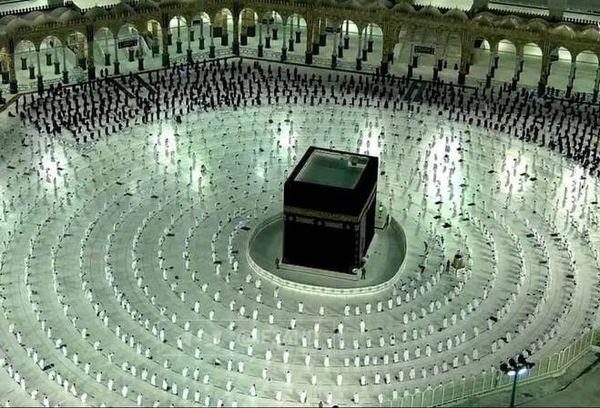 اولین نماز جمعه ماه رمضان در مسجدالحرام+ عکس