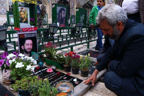 دیدار خانواده شهید حججی با خانواده شهید حدادیان