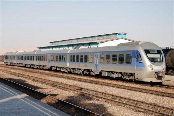 اقدام باورنکردنی زن چینی در ایستگاه قطار همه را وحشت زده کرد !