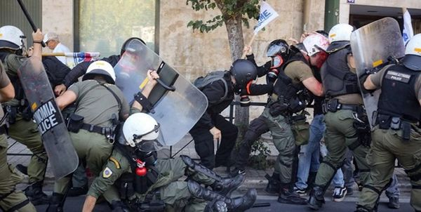 اعتراضات ضد ماسک در یونان