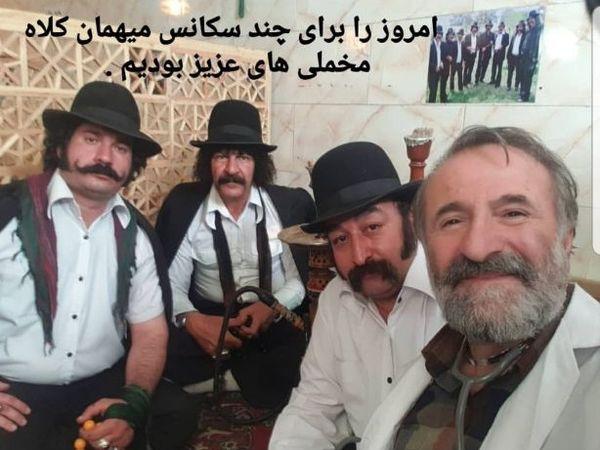 مهران رجبی مهمان کلاه مخملی ها در قهوه خانه+عکس