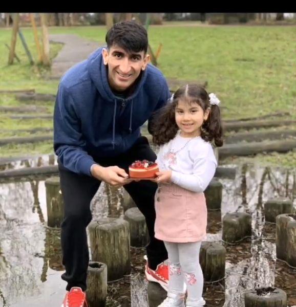علیرضا بیرانوند و دخترش + عکس